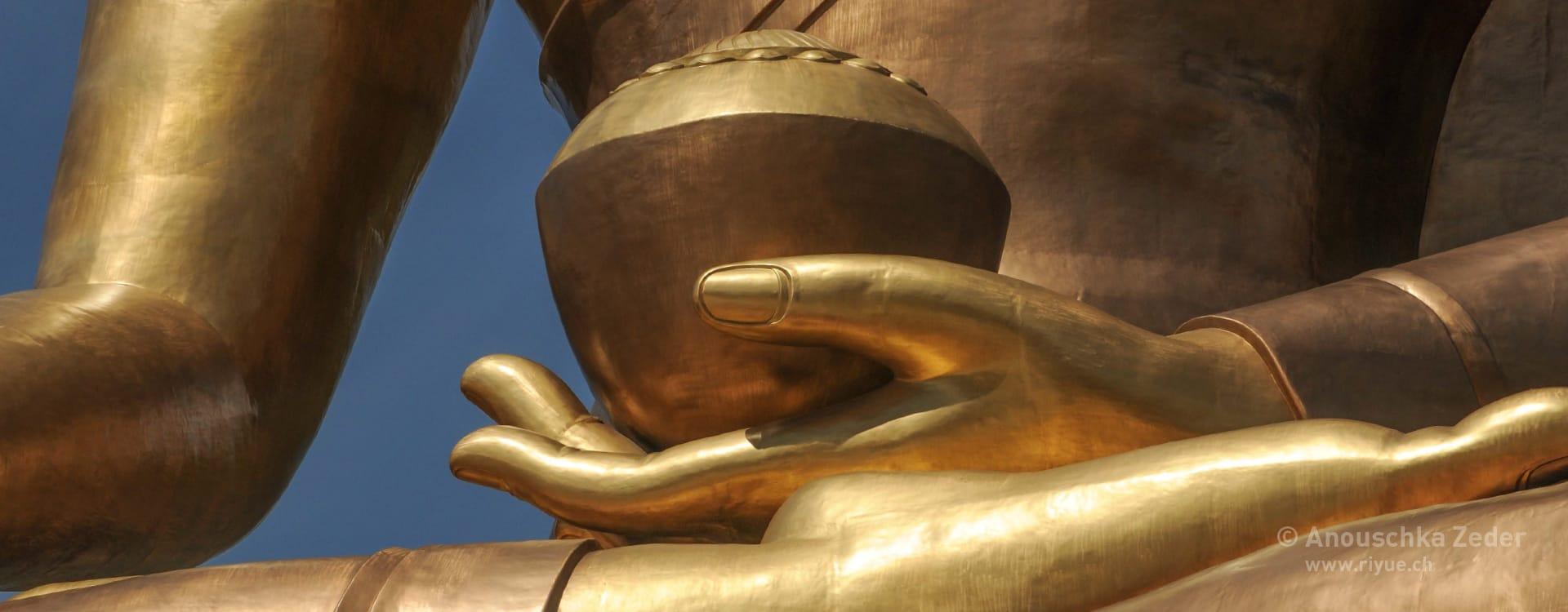 riyue – Klangbett/Monochord – Buddha Bhutan